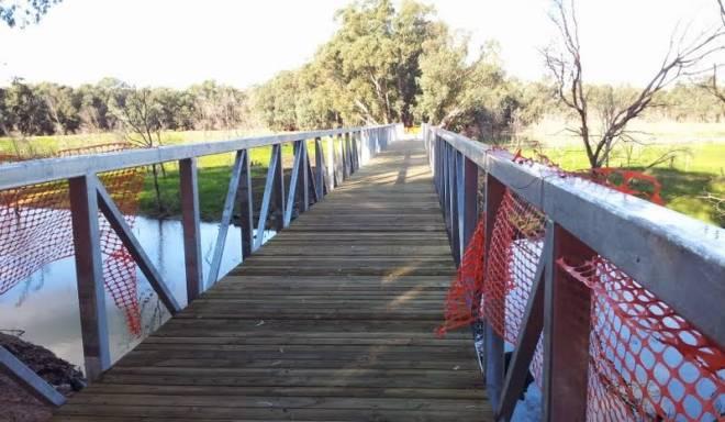 V40-306 Mt Ida Creek bridge Construction 2014-06