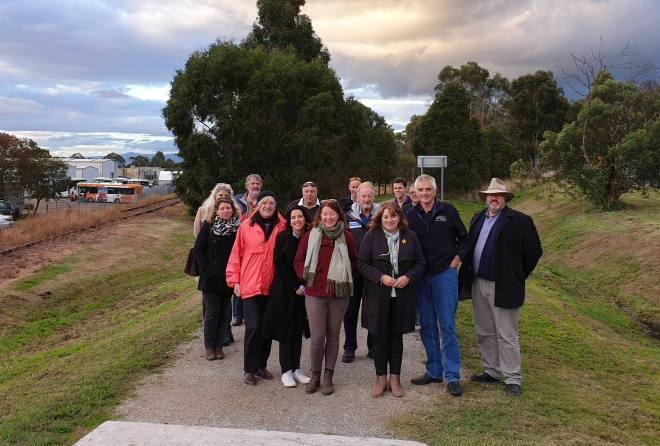 T06 008 Lilydale Tasmania LC committee visit 2019 05 08 165404