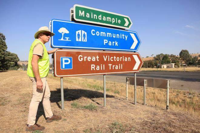 V43 029 VicRoads tourist signs GVRT Maindample 5008 1 2019 12 web