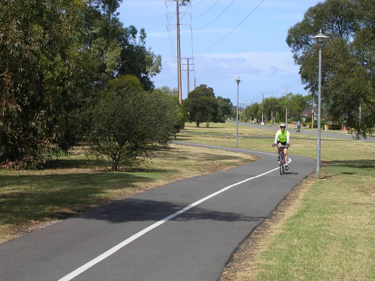 Glenelg to Adelaide (Nov 2011)