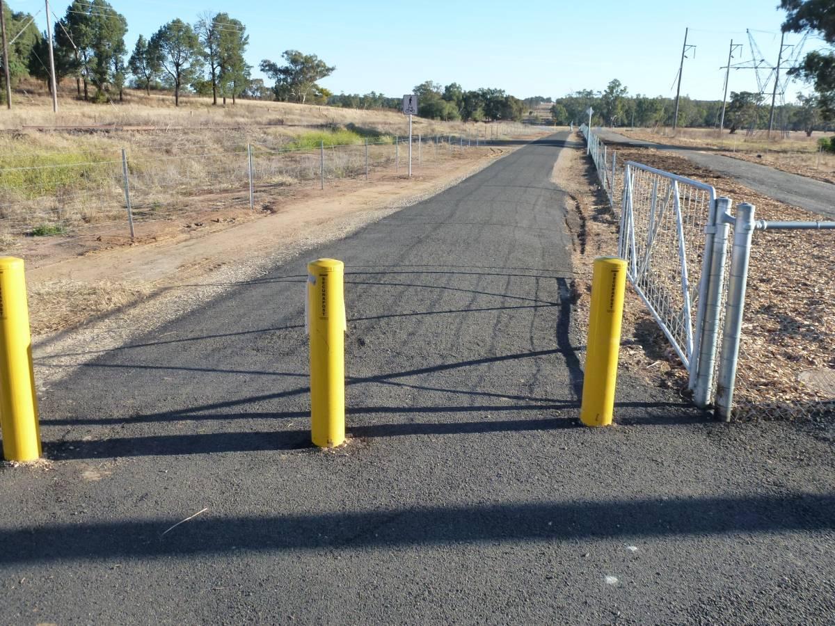 Entrance to trail at Macquarie St May 2012