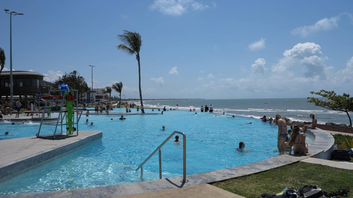 Yeppoon has an amazing free infinity edge pool right on the beach.