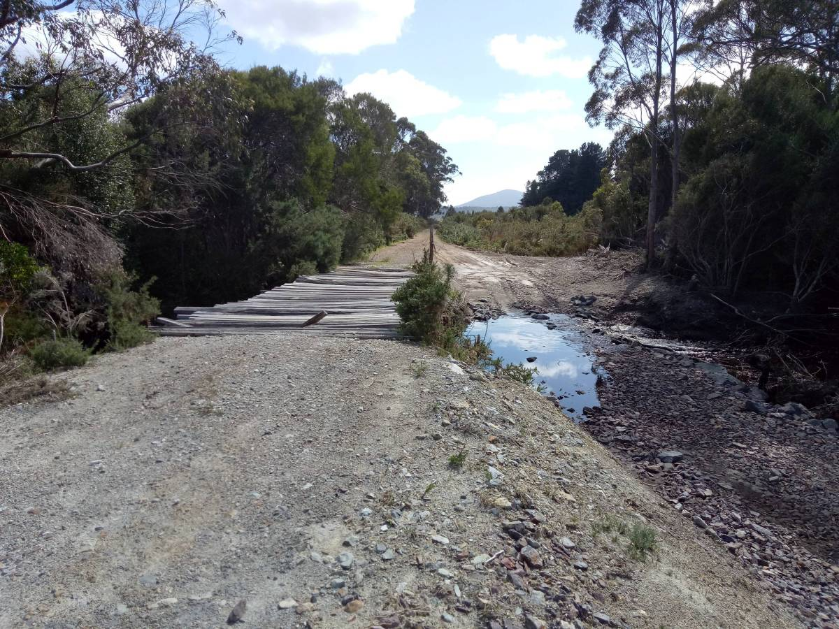 Parting Creek crossing, NW trail, Zeehan end (2019)