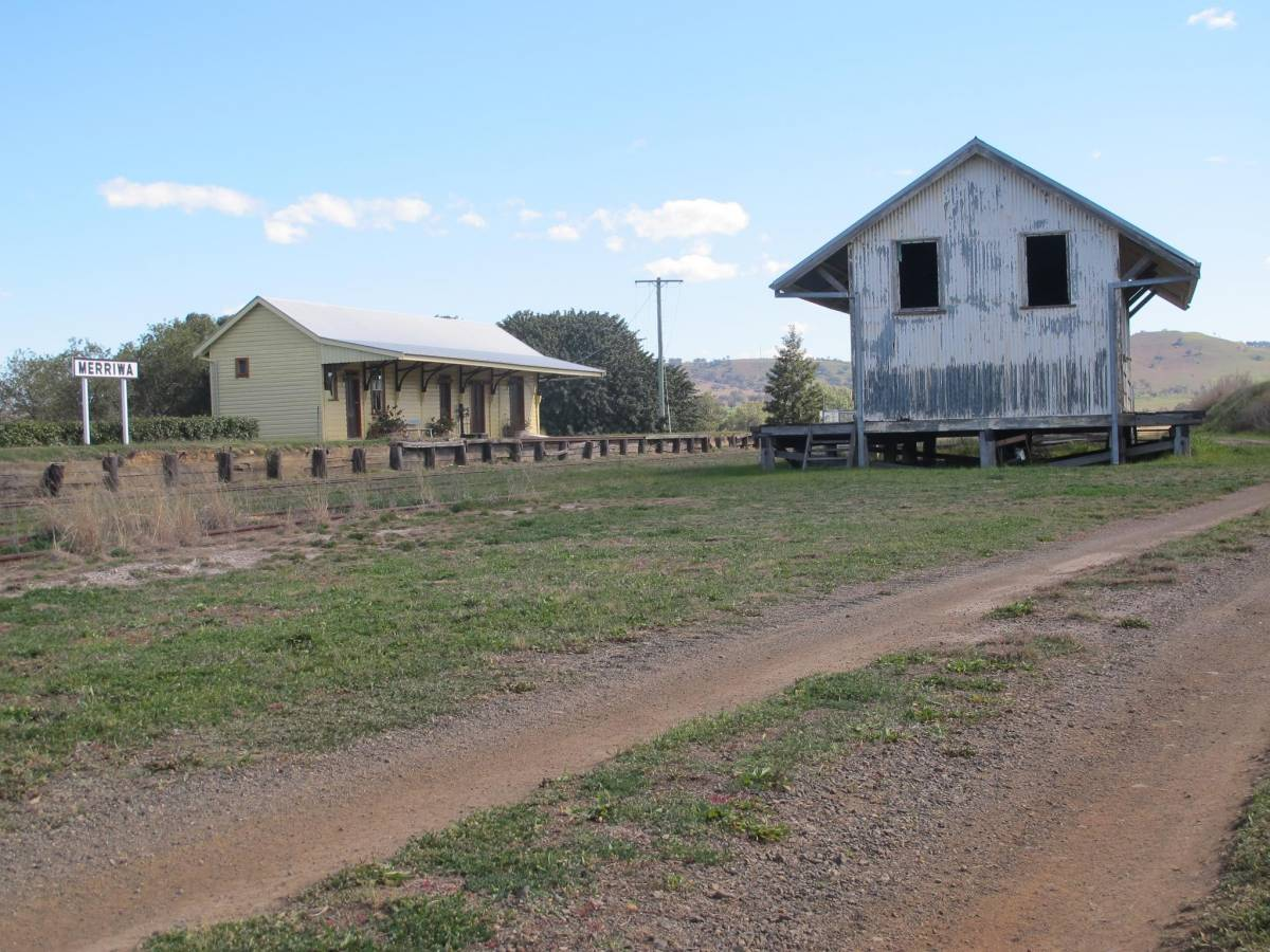 Merriwa Railway station and goods shed (2015)