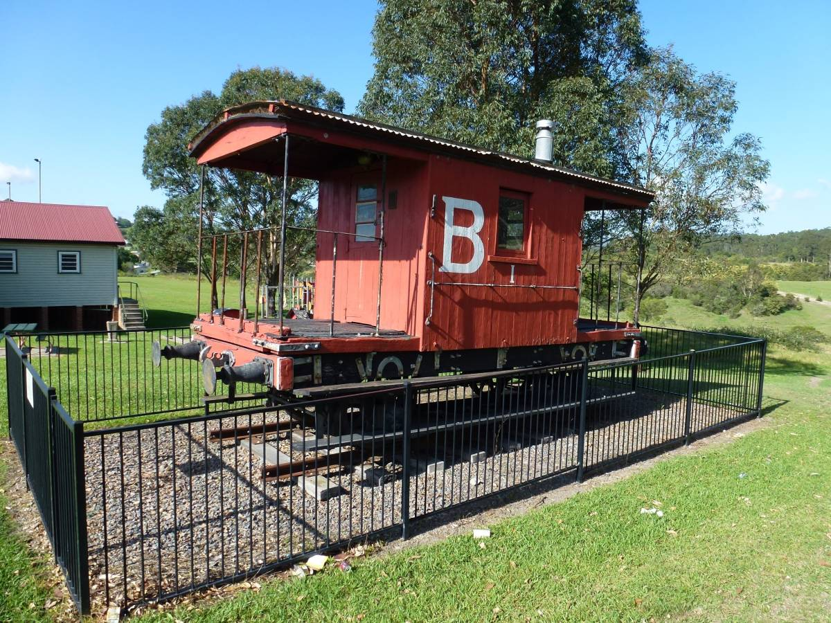Old carriage in the park at Minmi (2013)