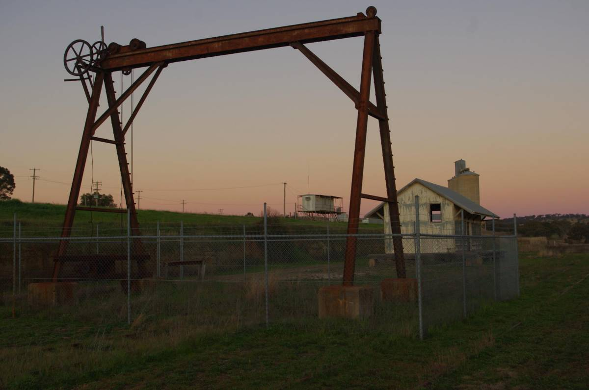 Old crane and gantry at Merriwa (2015)