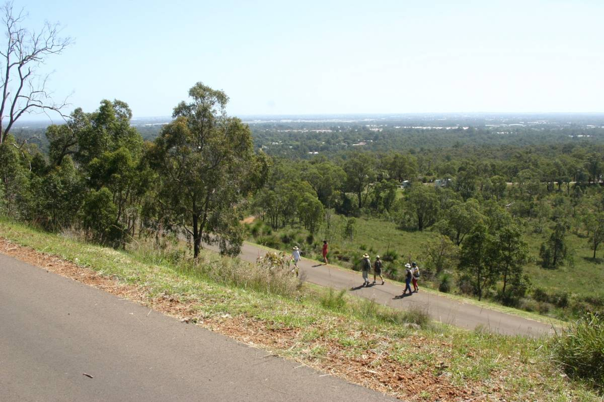 The Zig Zag offers views over the Perth metropolitan area. On clear days it is possible to see the Indian Ocean.