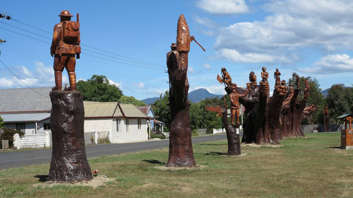 The sculptures at the Legerwood station site are the main interest in Legerwood. 2014
