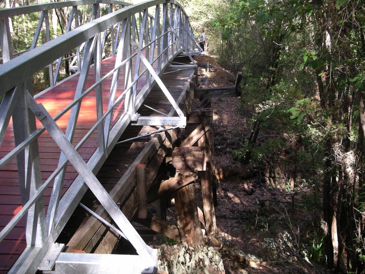 North of Margaret River two new bridges have been built over the timber rail bridges so they can be retained 2009