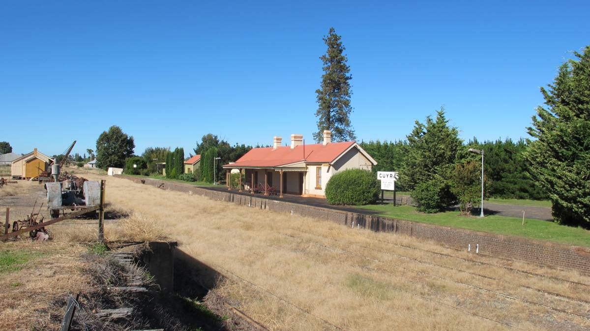 Guyra Railway station (2012)