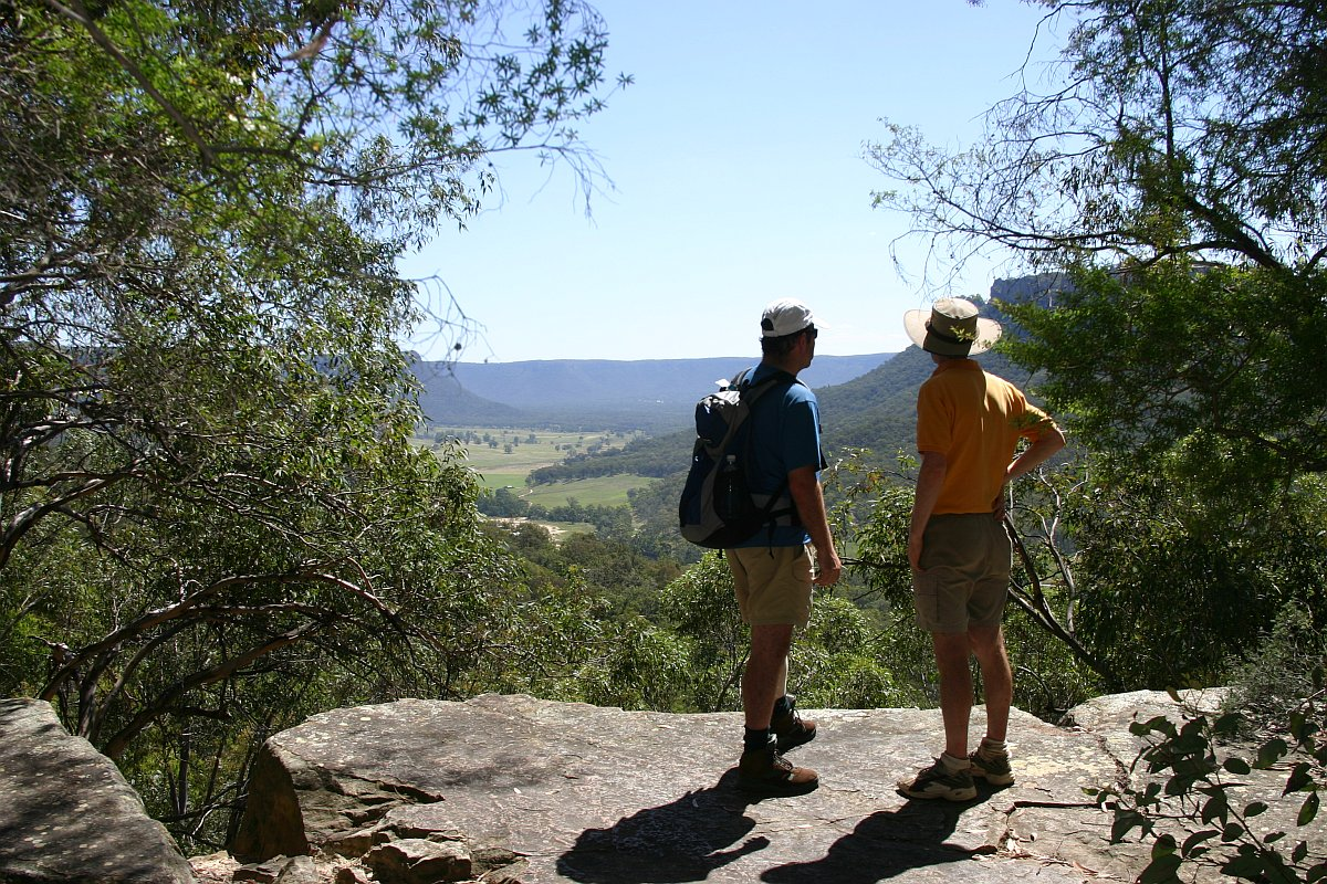 Looking over the Wolgan Valley just below the Glow Worm tunnel (2009)