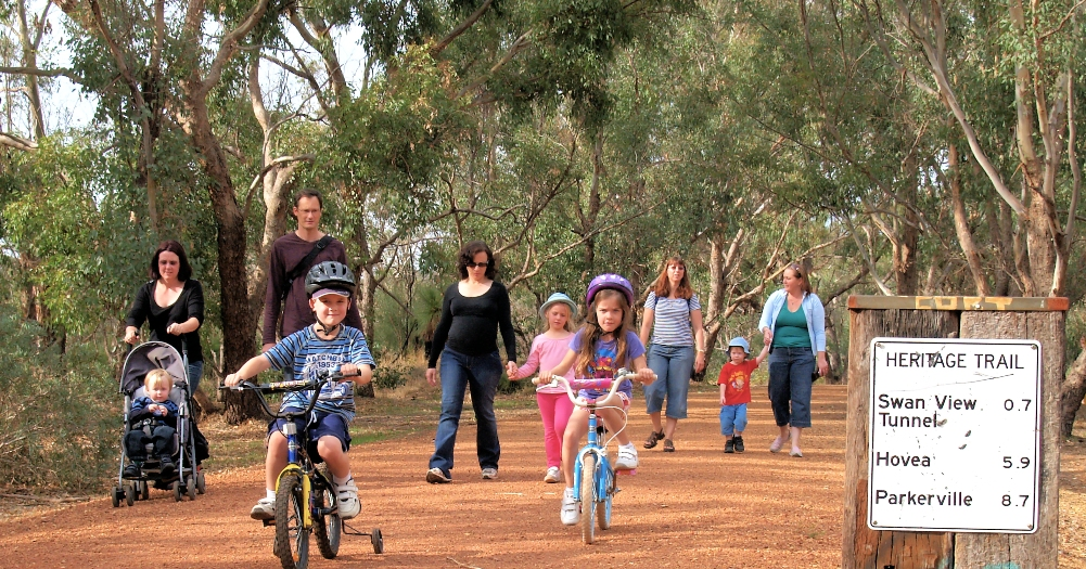 A family outing on the trail – Shire of Mundaring