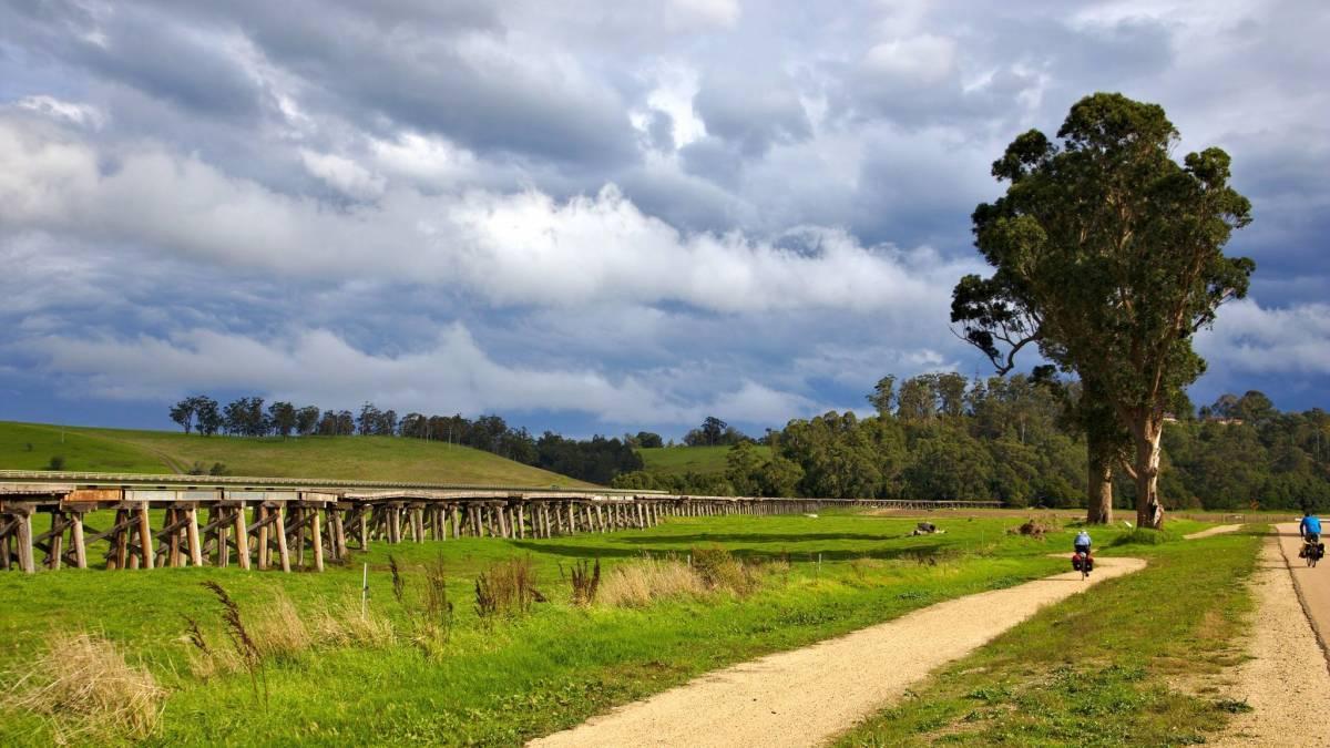 Beside the long bridge into Orbost (Alex Thompson)