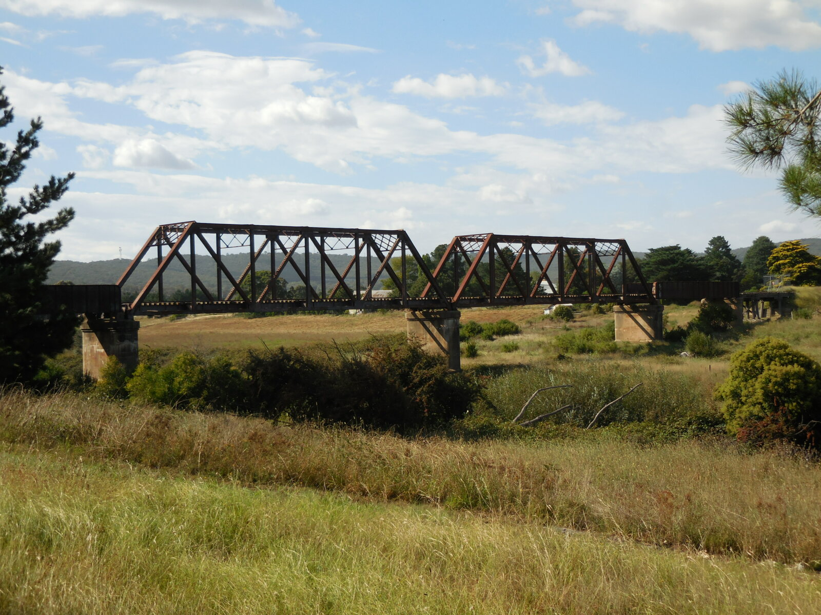 Steel bridge across the Wollondilly River at Kenmore near Goulburn