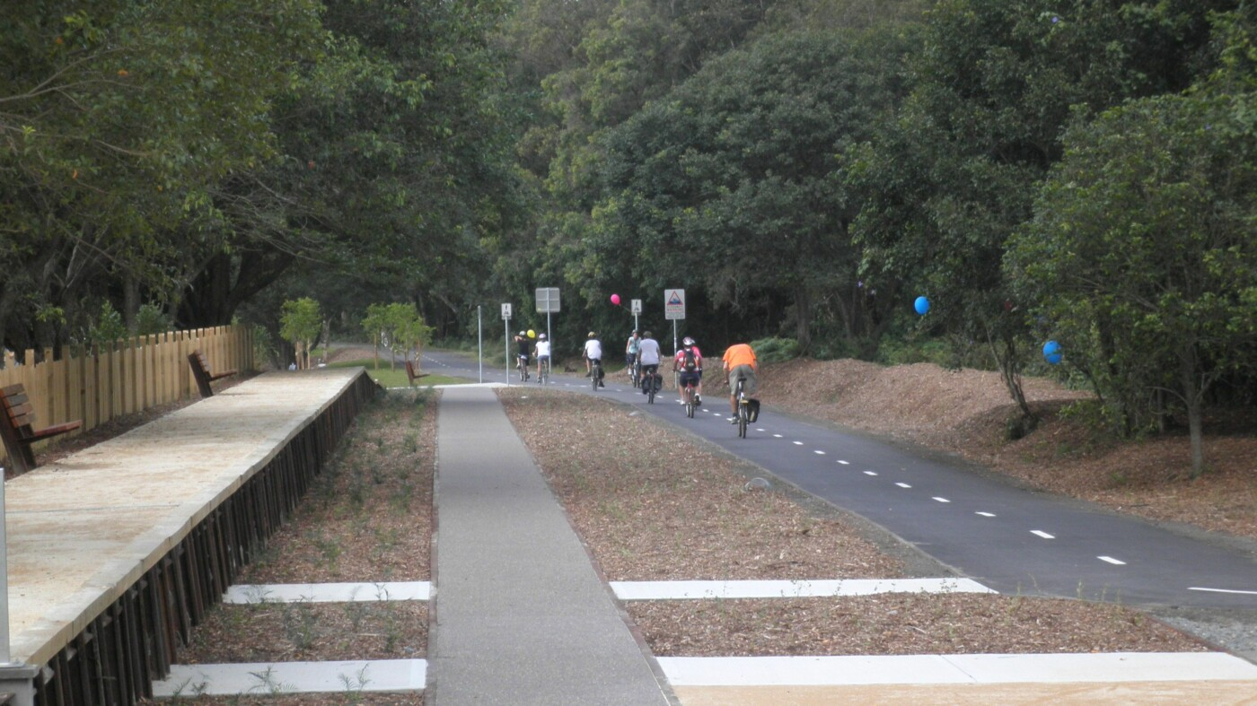 Fernleigh Track rail trail. Community opening of the last section from Redhead to Belmont.  Saturday 2011-04-02.