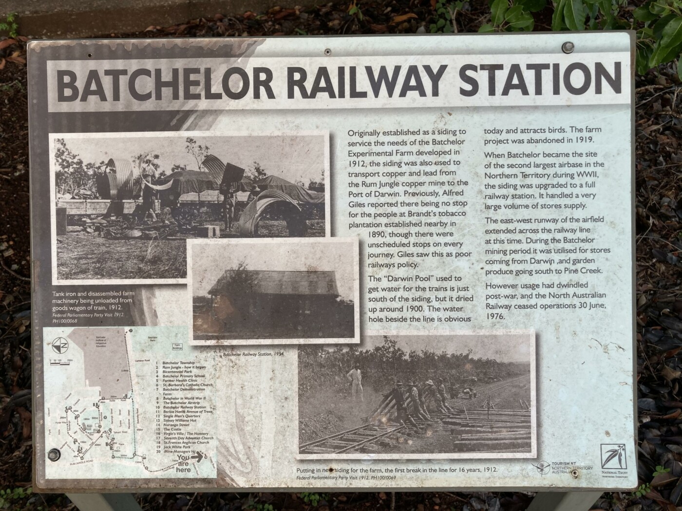 Batchelor station sign (2020-10)