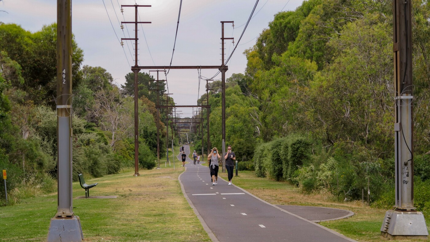 The Alamein to Gardiners Creek Trail section looks very much like an urban rail trail (2020)