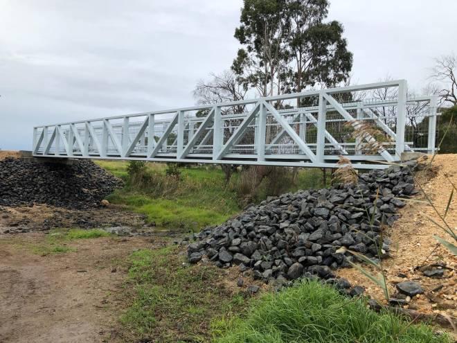 V23 111 Glengarry Eaglehawk Creek bridge 2020 06 8727