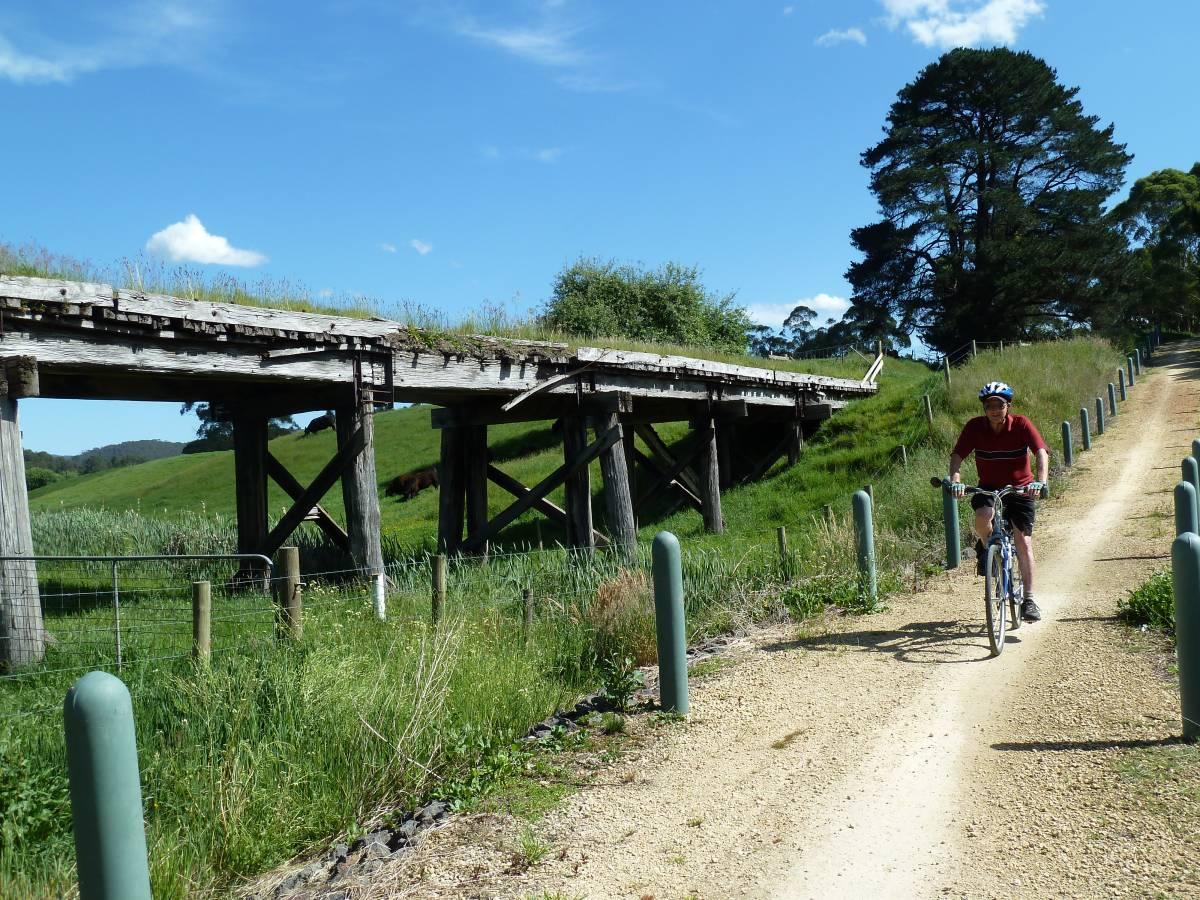 Detour around old bridge near Forrest (2011)