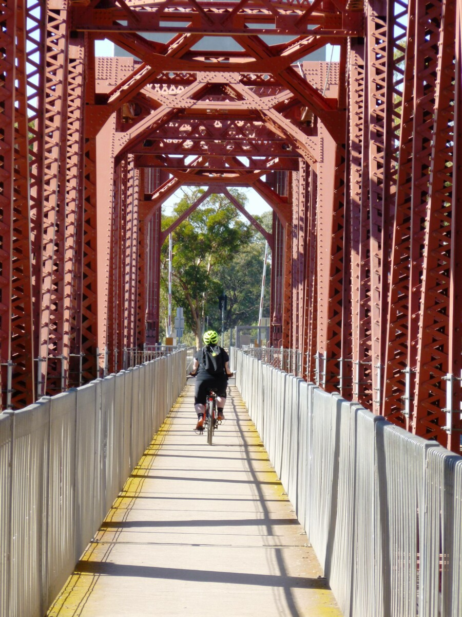 cycle path on Paringa bridge 2020